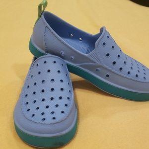 Sanuk boys blue shoe. Size 3.